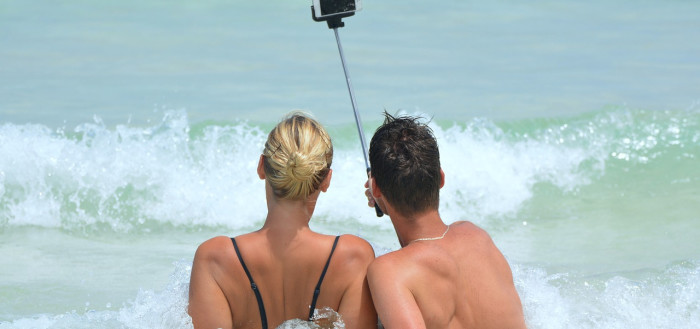 selfie-900001_1280-1