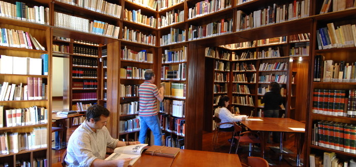 Biblioteca_Casa_de_Colón_Nacho_González-700px